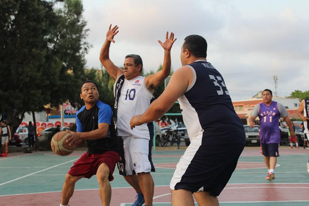 Baloncesto El Deporte Rafaga: SE MANTIENE LA 2DA FUERZA DE BALONCESTO EN EL KM 0