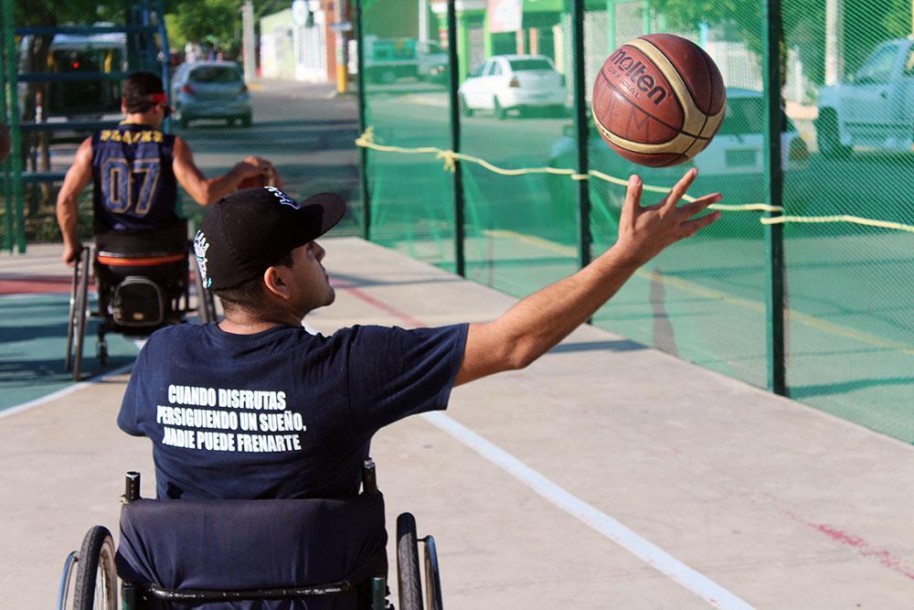 Baloncesto en silla de ruedas (6)